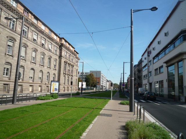 Peinture mâts de tramway